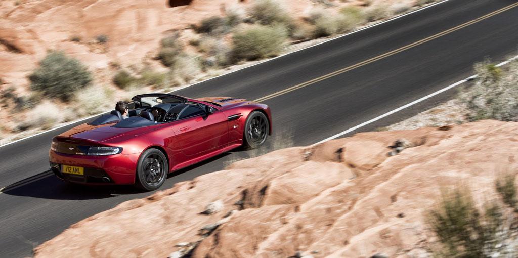 Foto Aston Martin 2