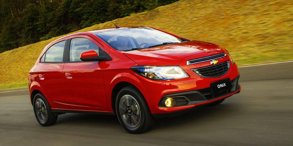 Chevrolet Onix de frente 5