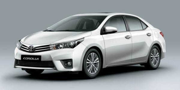 2014-Toyota-Corolla-031
