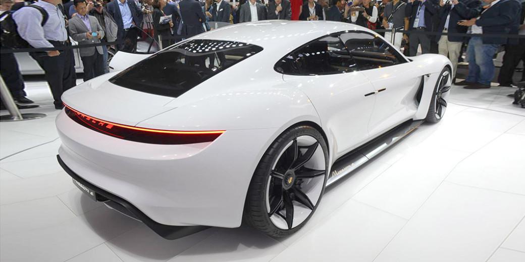 Porsche Mision 4 Frankfurt 2015