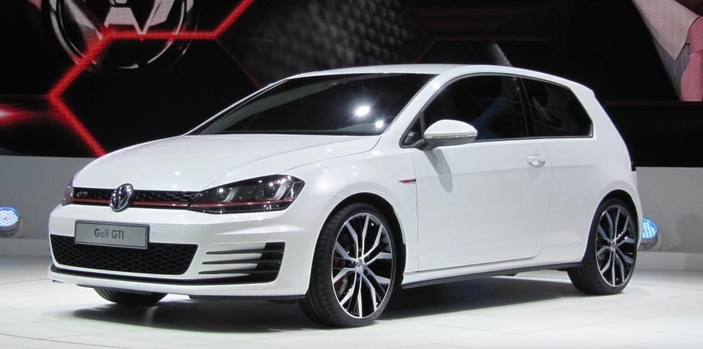Volkswagen-Golf-GTI-VII-2014-7