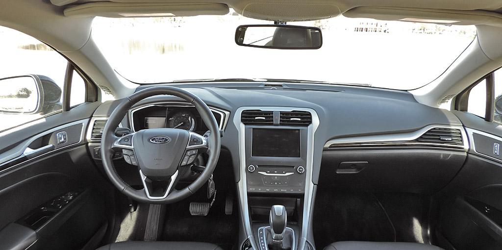 Ford Mondeo 2015 interior