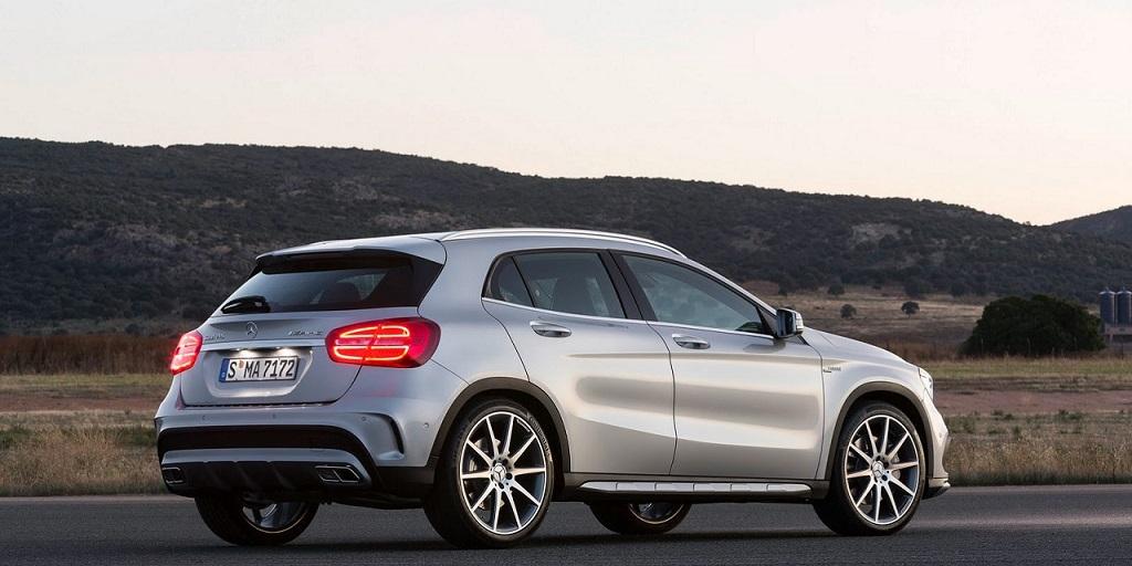 Mercedes Benz Clase GLA atras