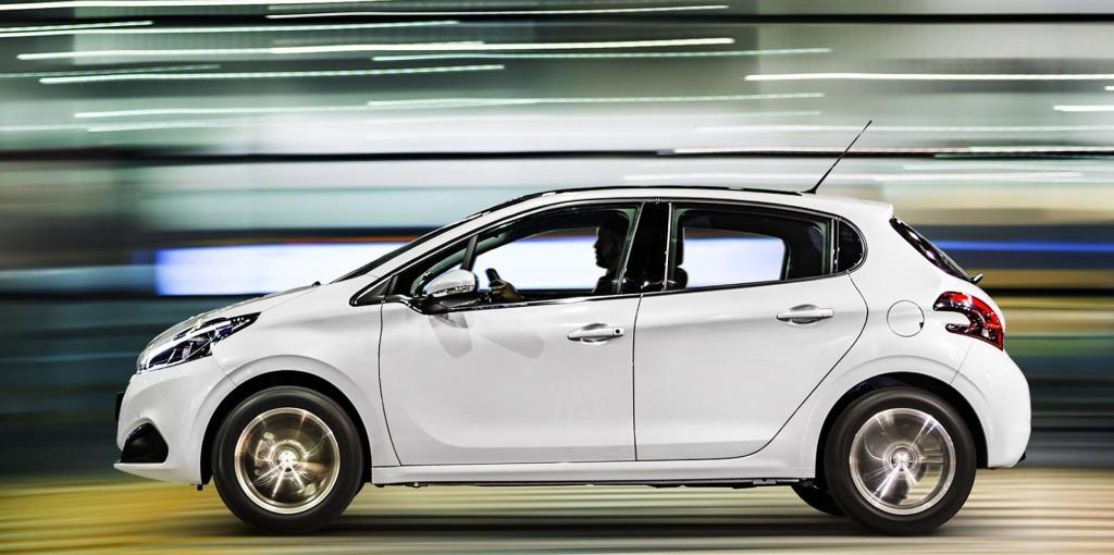 Peugeot 208 perfil