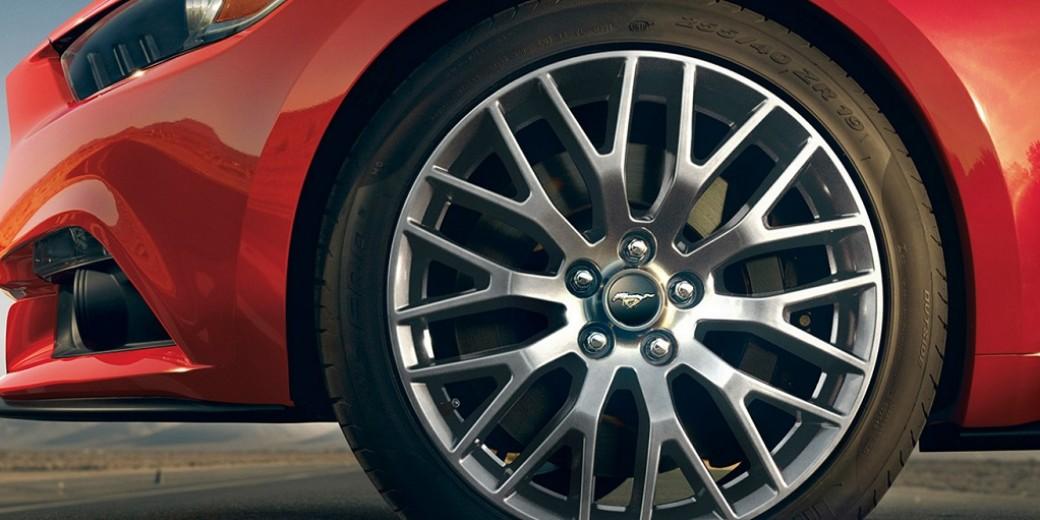 Ford Mustang Llanta