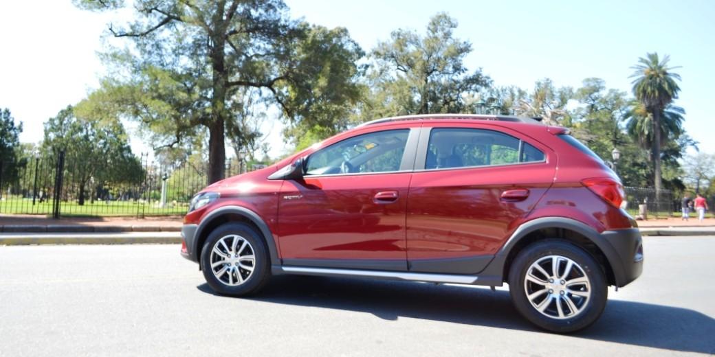 Chevrolet Onix Activ 2