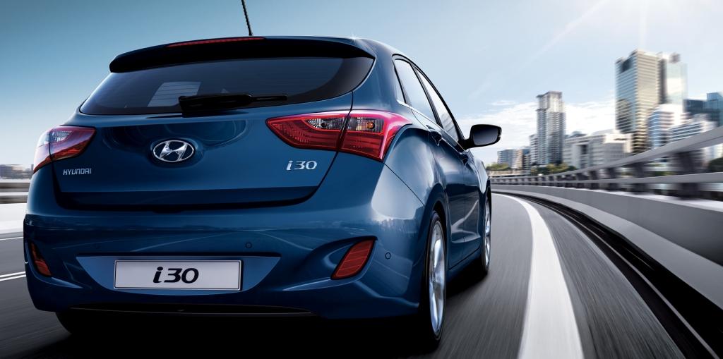 Hyundai i30 MY2017 atras