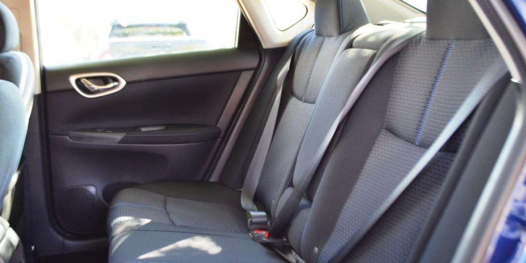 Nissan Sentra interior 5