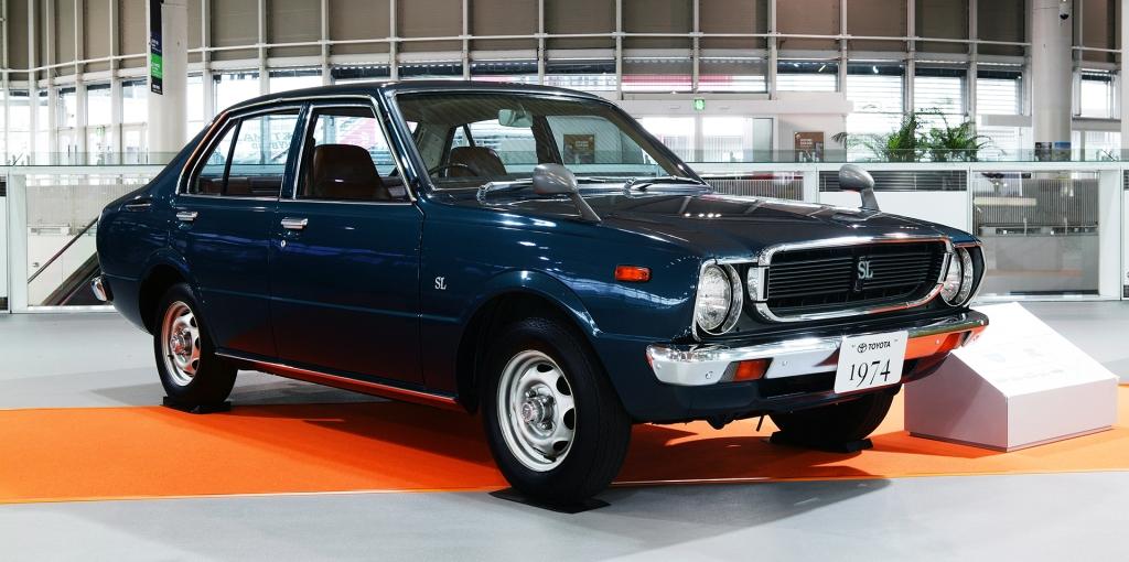 En 1974 se presenta la tercera generación, un auto más redondeado y veloz.