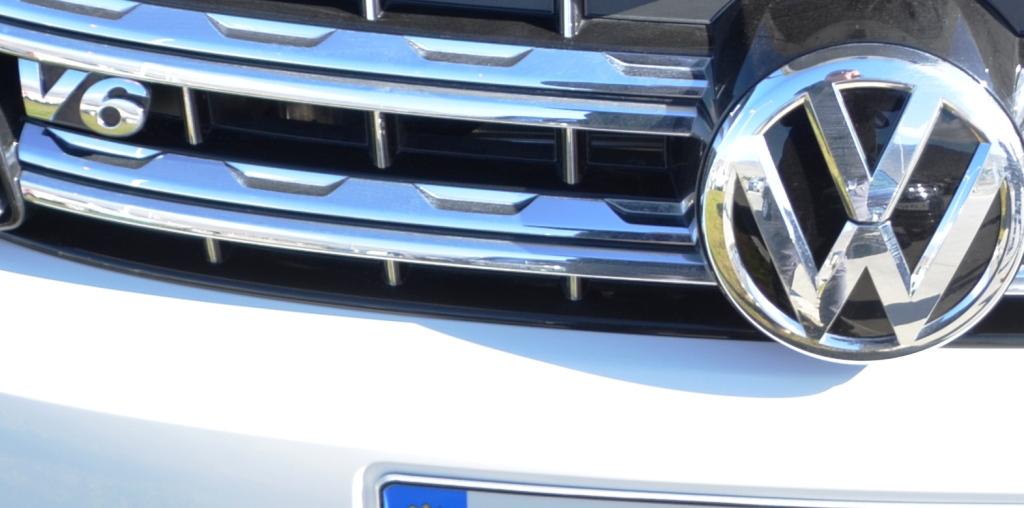 Volkswagen Amarok Logo V&