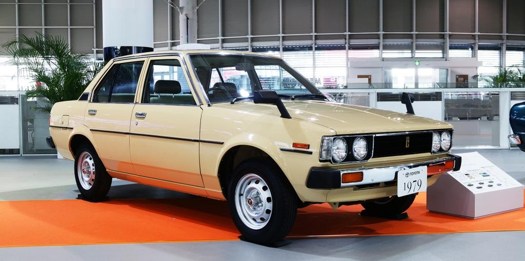 En 1980 llega la cuarta generación, un rediseño con formas más afiladas.