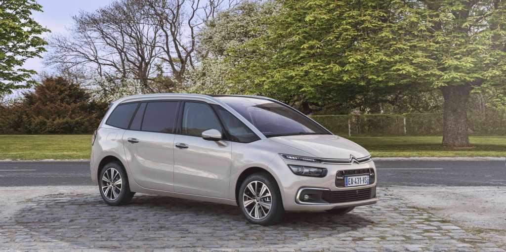 Citroën Grand C4 Picasso 2017, con capacidad para 7 pasajeros