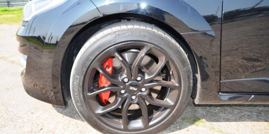 Renault Megane RS4 neumatico