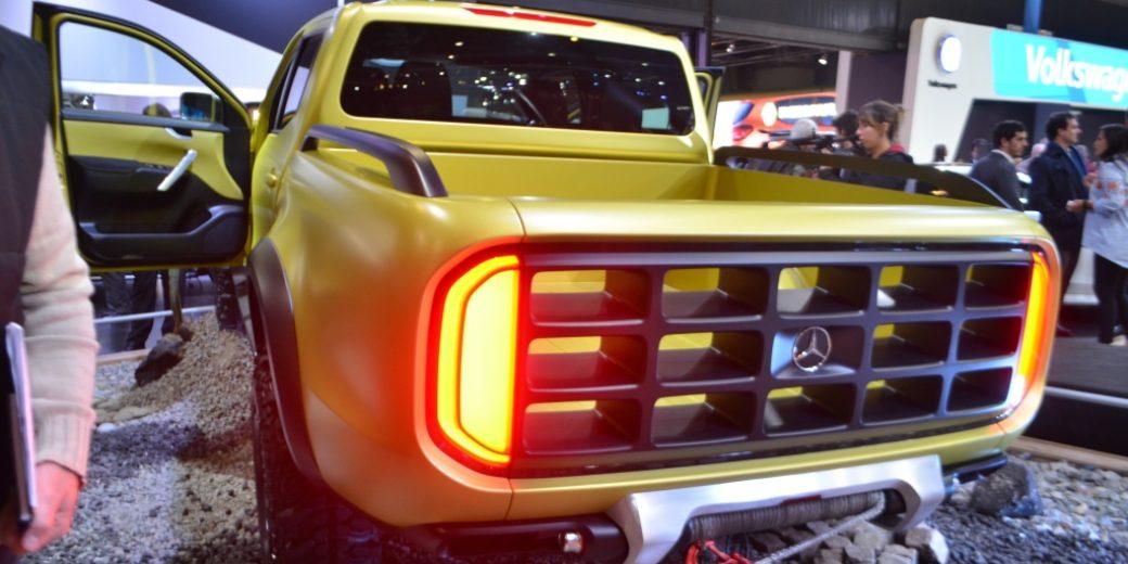 Mercedes Benz dorada 5