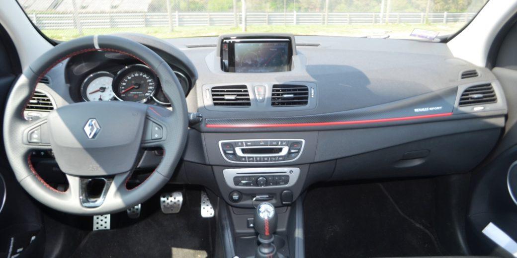 REnault Megane III RS interior