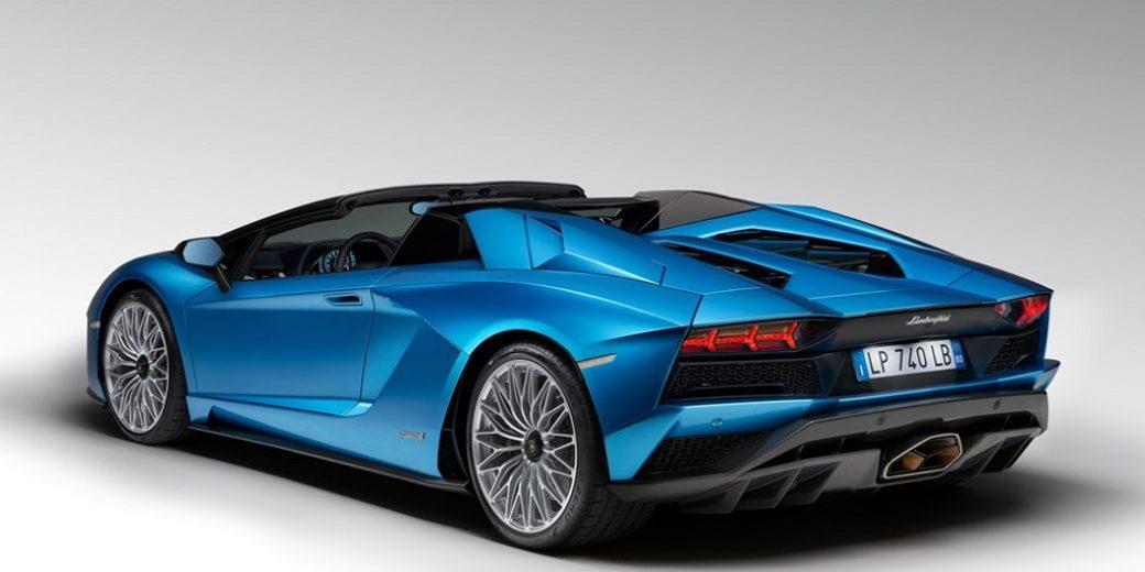 Lamborghini aventador-s-roadster 2
