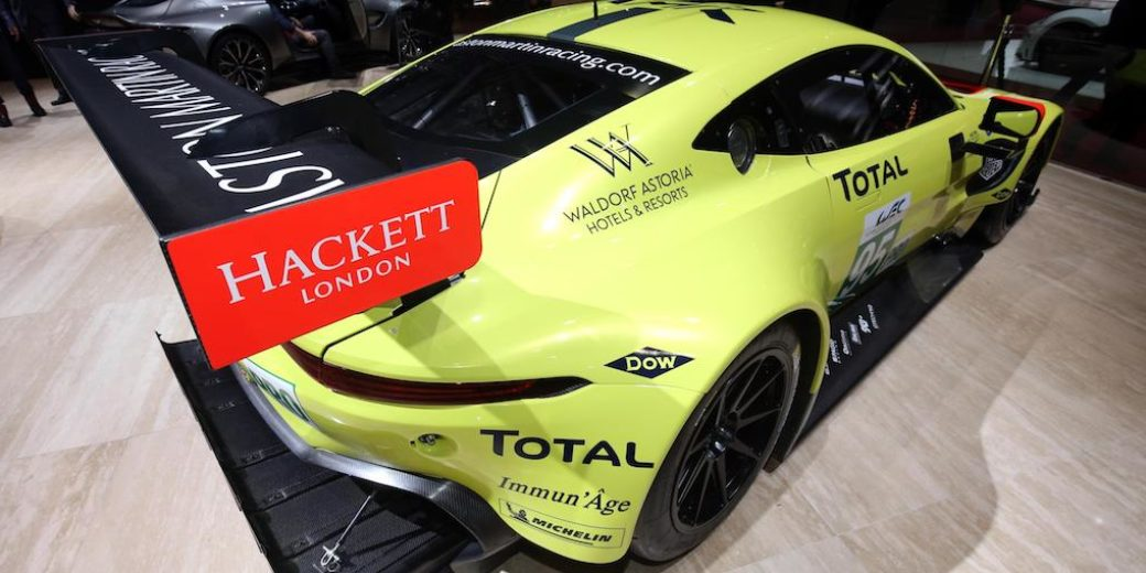 Aston Martin Valkyrieb