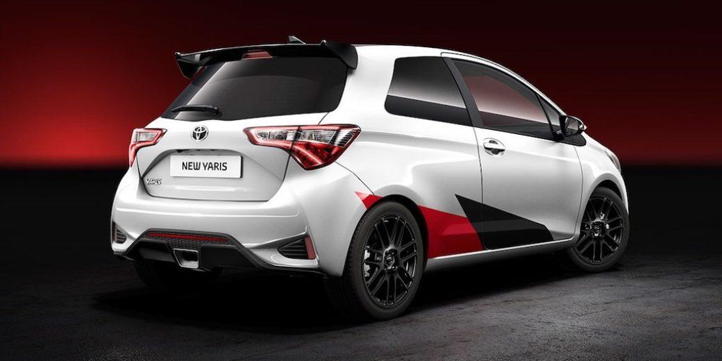 Toyota yaris comun atras