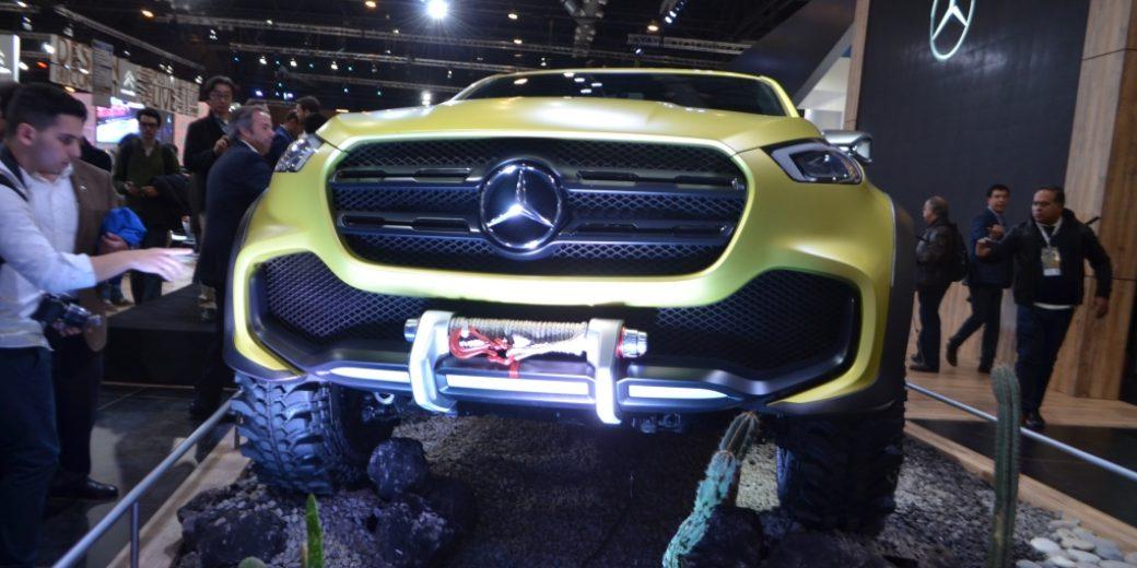 Mercedes Benz dorada 2